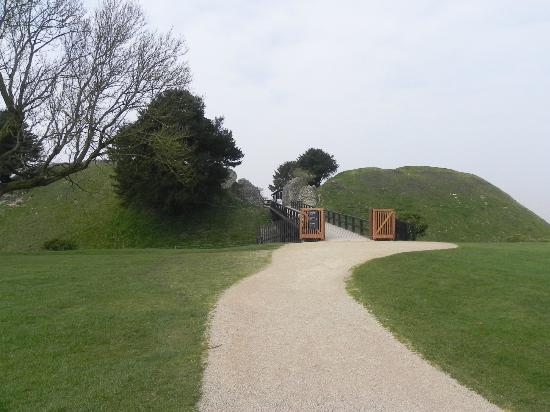 Old Sarum: Entrance to the site