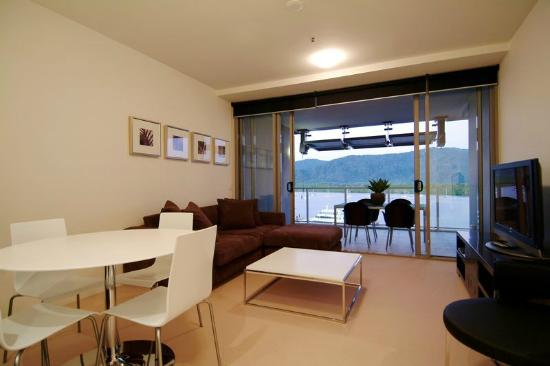 two bedroom apartment harbour view picture of cairns