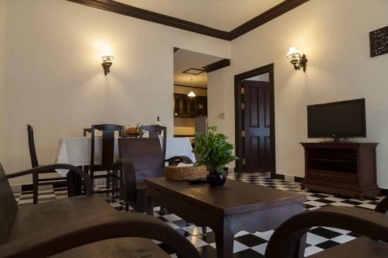 Chateau d'Angkor La Residence : LIVING ROOM