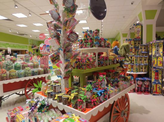 Yankee Candle Flagship Store: Yep...more candy