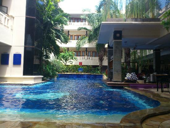 Permata Kuta Hotel by Zeeti International: Nice pool