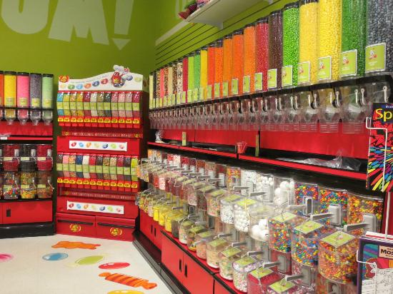 Yankee Candle Flagship Store: More candy