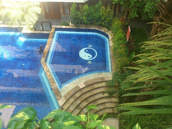 Aston Tuban Inn Bali: View from the pool from 3rd floor