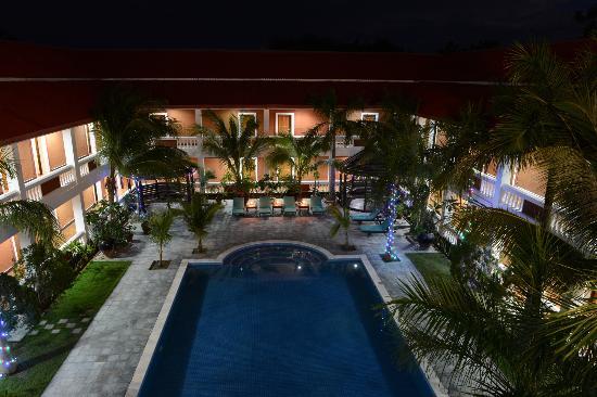Arthawka  Hotel : swimming pool at night