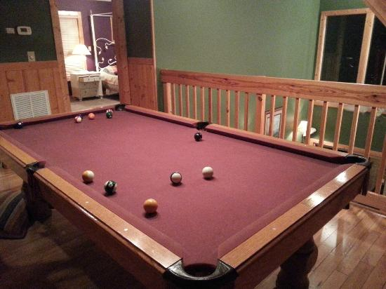 Chalet Village : Pool Table
