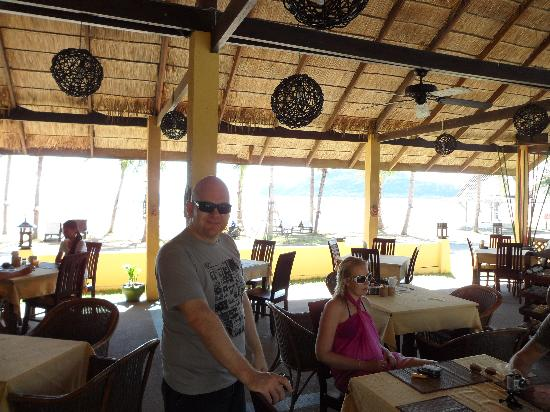 Terra Selisa Dolphin Beach Resort Hua Hin : Large Dining Area with a Stunning View of the Beach and Island