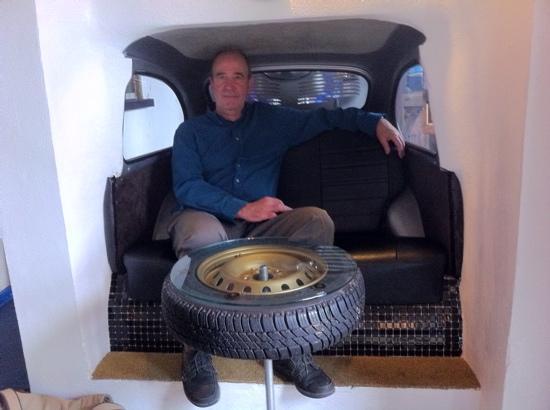 El Cobijo de Vejer: Skinner in car seat
