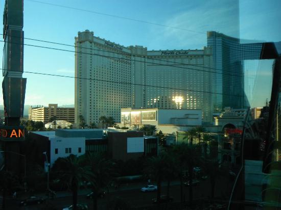 Monte Carlo Resort & Casino: Hotel Front