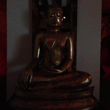 Thai Square St Albans: Meditating Buddah