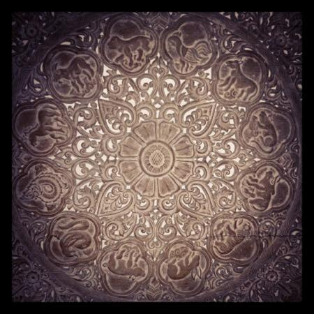Thai Square St Albans: Intricate - close up of the decorative wall