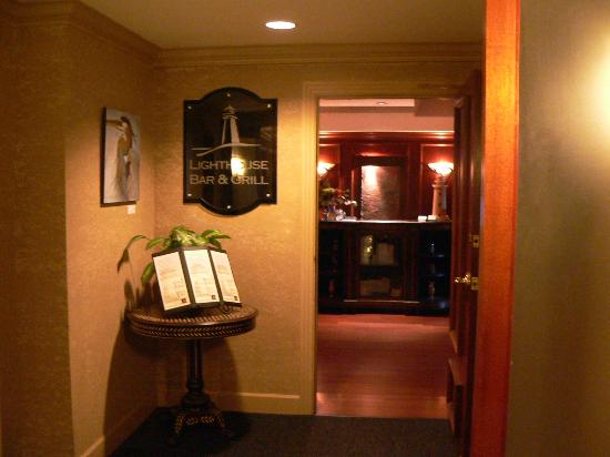 Hotel Bellwether: entry to super restaurant and comfy lounge