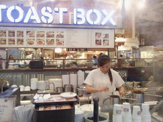 Toast Box : Food counter