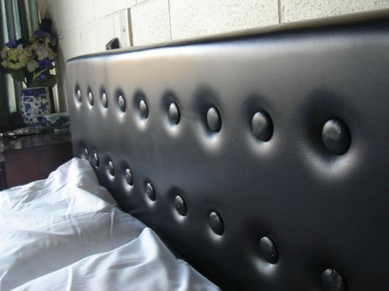 Sandcastle Motel: Bed