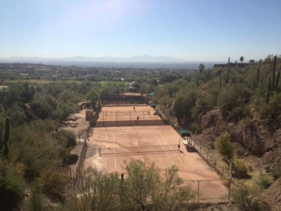 Mission Hills Casitas: View from Casitas of Tennis Courts