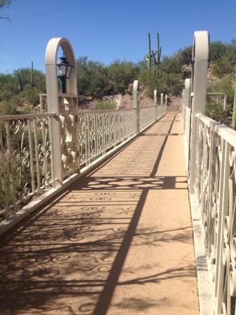 Mission Hills Casitas: Bridge to Skyline Country Club