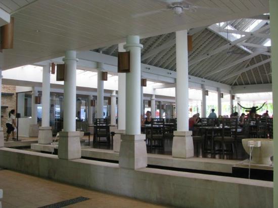 Amari Phuket: b'fast buffet dining