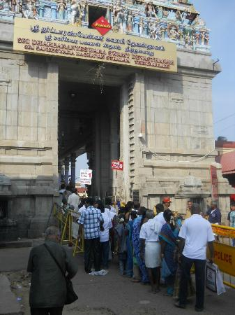 Saniswaran Temple: Main Entrance to the Temple 