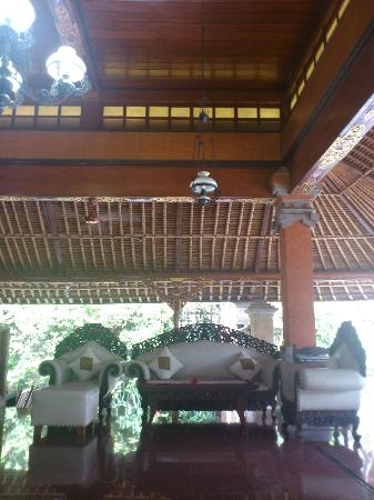 Puri Dewa Bharata Hotel & Villas : Love the look!
