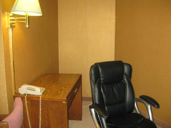 West Point Motel: Desk area