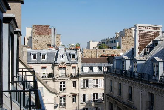 Hotel Mayfair Paris: View to the left on balcony