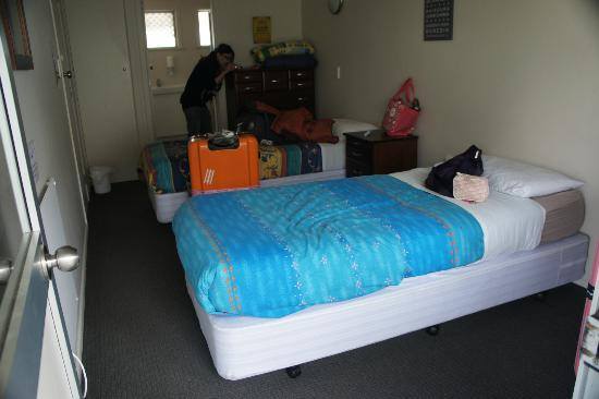 Finlay Jack's Backpackers: female dorm