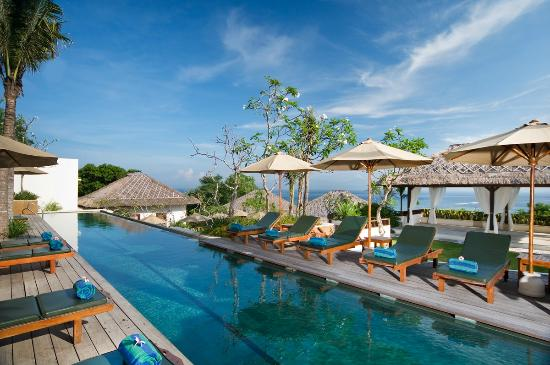 Batu Karang Lembongan Resort & Day Spa: Enjoy the Lap Pool