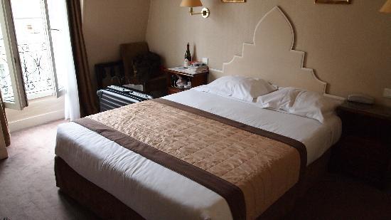 ホテル ロイヤル マグダ エトワール, 部屋の中。シンプルで清潔です