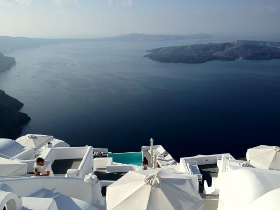 Chromata Hotel: The Caldera View!