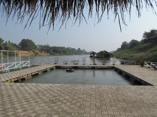 Rivertime Resort and Ecolodge: View looking downriver from the floating platform.