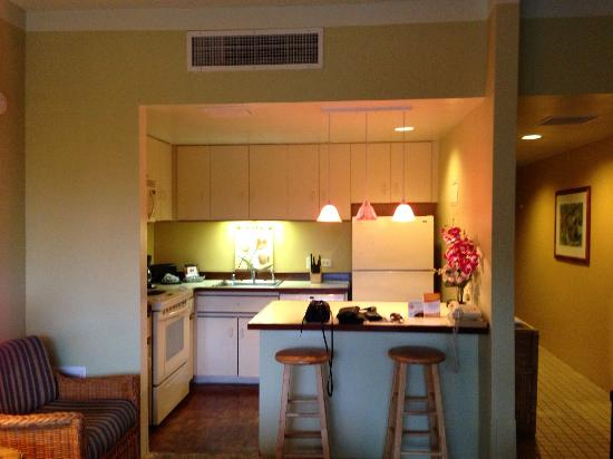 Outrigger Royal Sea Cliff: Kitchenette