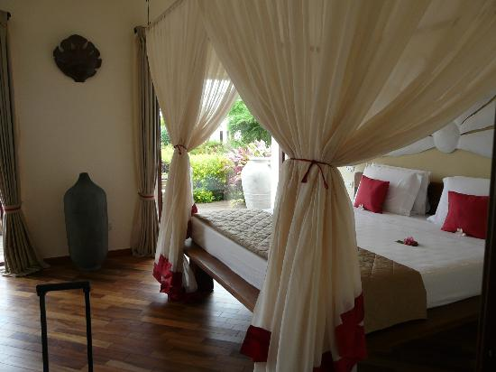 Essque Zalu Zanzibar: King Sized bedded room