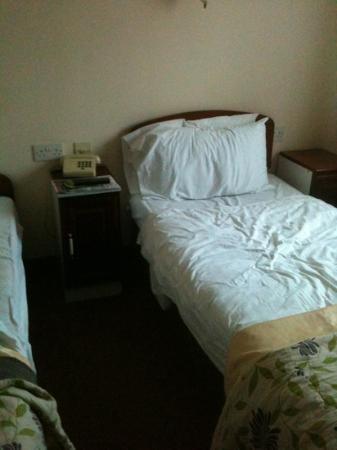 Dubrovnik Hotel : bedroom on coach trip