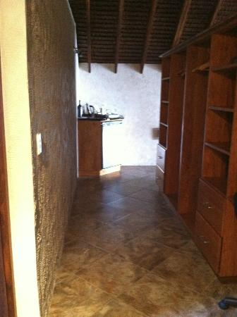 Lope Lope Lodge: Closet area