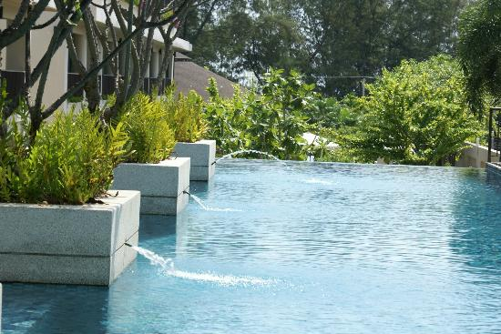 Tara Mantra Cha Am: Child Free pool area on level 3