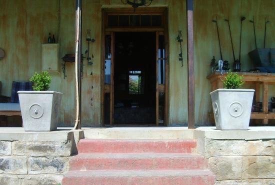 De Oude Huize Yard: Entrance