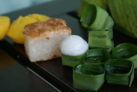 Tara Mantra Cha Am: delicious Thai sweets - try them all