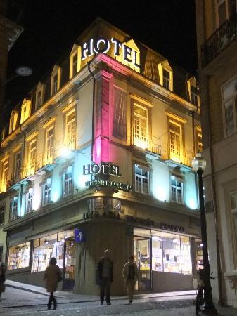هوتل إنترناسيونال: Vue de l'hôtel de la Rue 