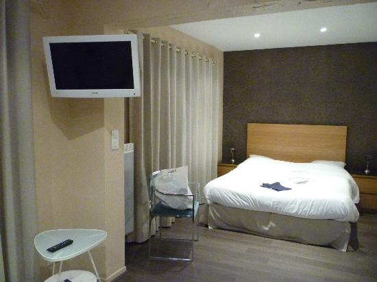 Hotel des Carmes : chambre