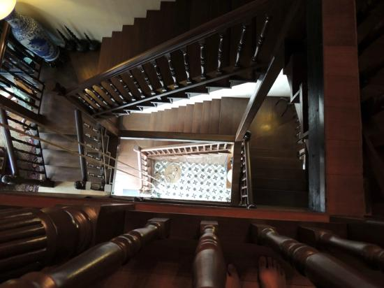 Campbell House: Staircase