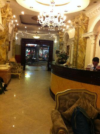 Hanoi City Palace Hotel: Beautiful marble lobby