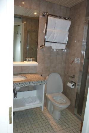 Hotel Rivoli Jardin: il bagno della camera superior