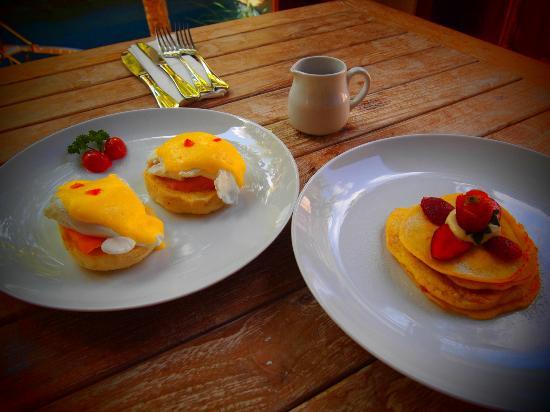 The Dipan Resort Petitenget: Breakfast (In-room dining)