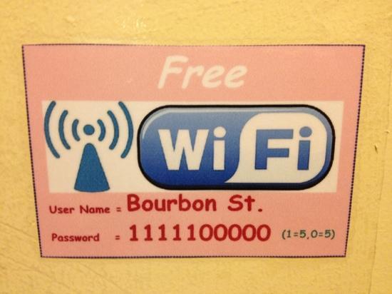 เบอร์เบิ้น สตรีท บูติค: free wifi!!