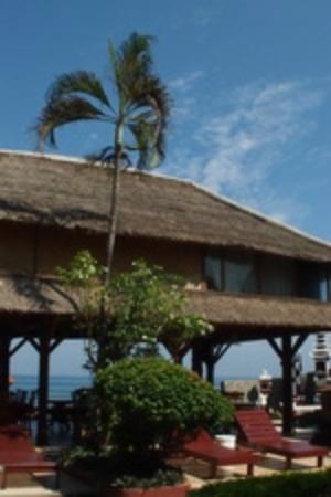 Villa Agung Beach Inn : around villaagung