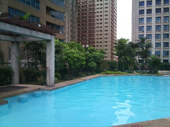 Holiday Inn Manila Galleria: pool