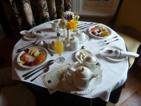 Kingna Lodge: Frühstückstisch