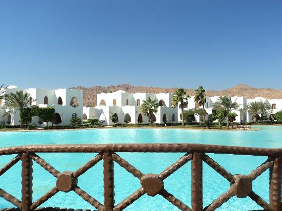 Dahab Resort: moat plus hotel buildings