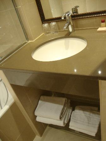 Hotel Albe Bastille: Salle de bain
