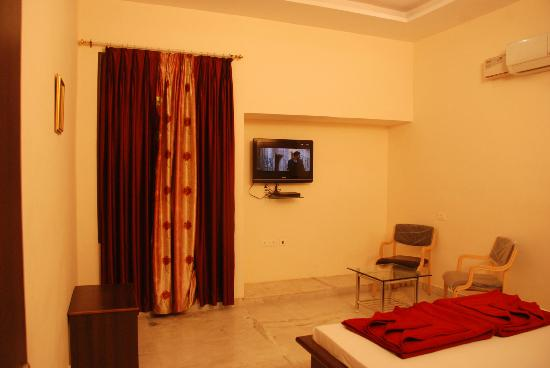 Hotel Swagat: Our Room