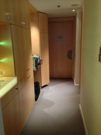 The Ritz-Carlton, Wolfsburg: entrance room 322